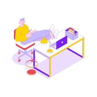 Büroangestellter entspannt sich mit smartphone an seiner isometrischen illustration am arbeitsplatz