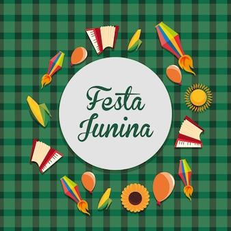 Bunt von festa junina mit in verbindung stehenden ikonen herum über grünem hintergrund