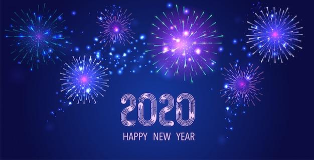 Bunte feuerwerke auf grußkarte des nächtlichen himmels 2020