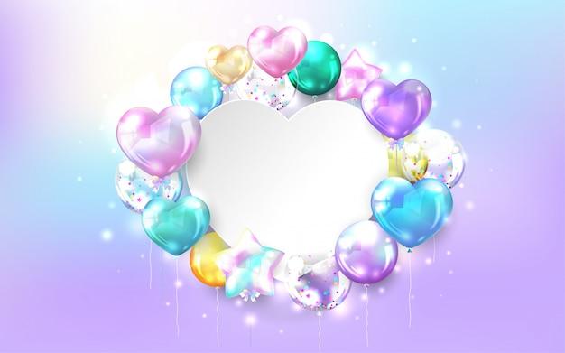 Bunte glänzende luftballons mit kopienraum in herzform auf pastellhintergrund für geburtstags- und feierkarte.