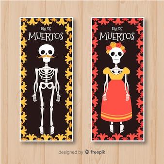Bunte Hand gezeichnete Día de Muertos-Fahnen