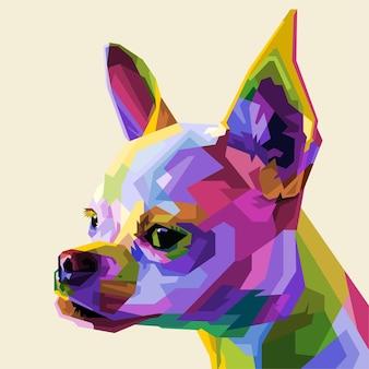 Bunte kopf-chihuahua auf geometrischer pop-art. vektorillustration.