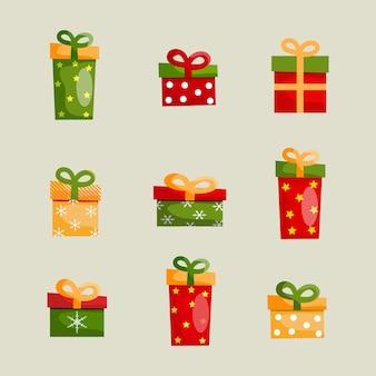 Bunte weihnachtsgeschenkboxen gesetzt