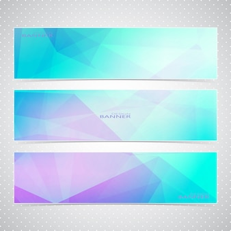 Bunter horizontaler satz von bannern mit mehrfarbigen polygonalen mosaikhintergründen. moderne illustration