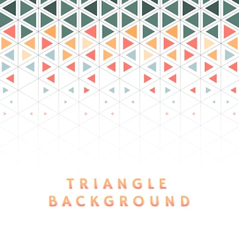 Buntes dreieck gemustert auf weißem hintergrund