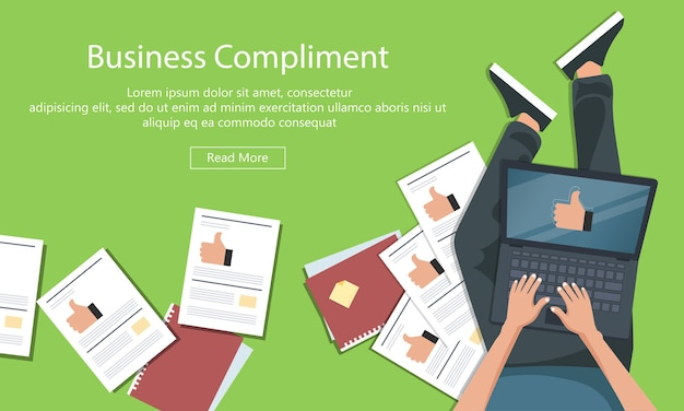 Business-kompliment-konzept. mann sitzt auf dem boden und hält laptop mit daumen nach oben hand.