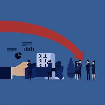 Business-team angst vor verlust machen mehr rechnungen in der brieftasche.