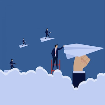 Business treppensteigen zum papierflugzeug wie andere metapher der upgrade-unternehmensentwicklung.