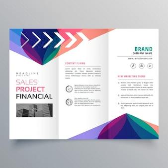 Business trifold broschüre vorlage mit bunten abstrakten wellenform