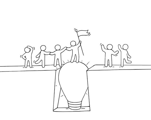 Cartoon arbeitende kleine leute überqueren den abgrund. kritzeln sie niedliche miniaturszene des teams auf der brücke wie lampenidee. hand gezeichnete vektorillustration für geschäftsentwurf und infografik.