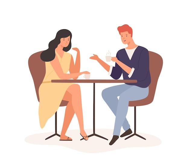 Cartoon-paar genießen romantisches date trinken kaffee zusammen vektor-flache illustration. glücklicher mann und frau sitzen am tisch und kommunizieren im café, isoliert auf weiss. frohe männliche und weibliche gefühlsliebe.
