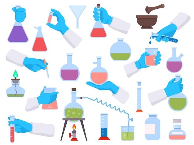 Chemielabor-reagenzgläser und wissenschaftliche werkzeuge für experimente. chemiker- oder arzthände in handschuhen halten laborbecher und flaschenvektorset. illustration eines reagenzglases für die pharmakologie-technologie