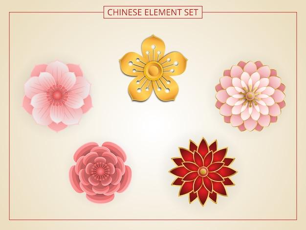 Chinesische blumen mit rosa, roter, goldener farbe im papierschnittstil.