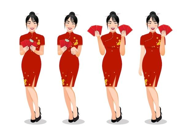 Chinesische frau, die rote umschläge in traditioneller artkleidung hält, stellte verschiedene gesten isoliert ein