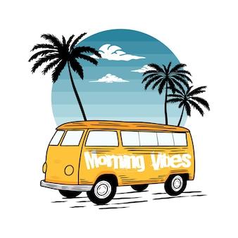 Classic car beach typografie für t-shirt druck mit palme, strand und auto. vintage poster.