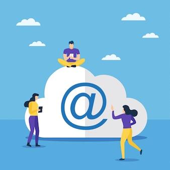 Cloud computing und mail sign mit menschen in der nähe