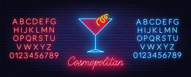 Cocktail cosmopolitan leuchtreklame auf backsteinmauer hintergrund. rote und blaue neonalphabete.