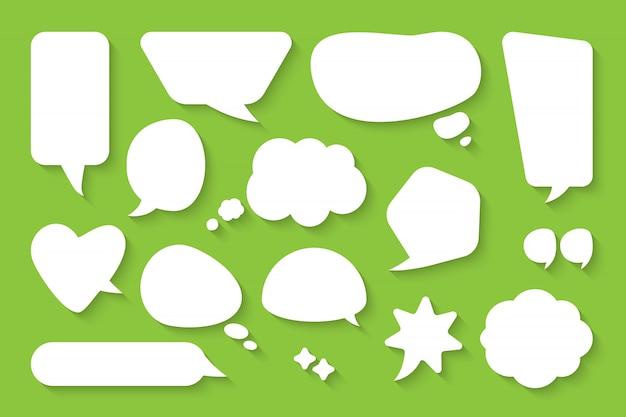 Comic-sprechblasen-set. leere textfeldwolken der karikatur. flache leere gekritzelblasen der abstrakten ikone verschiedener formen. comic-nachrichtenballon