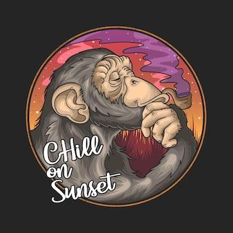 Coole schimpansen-cartoon-pfeife auf sommer-sonnenuntergang-hintergrund und chill auf sonnenuntergang-schriftzug