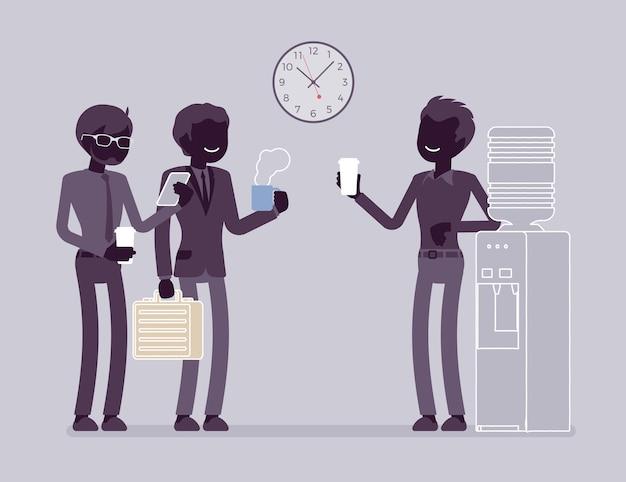 Cooler chat im büro. junge männliche arbeiter, die sich am arbeitsplatz informell um einen wasserkühler unterhalten, kollegen in der pause. vektor-flacher stil und strichzeichnungen cartoon-illustration, schwarze silhouette