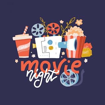 Cooles web-banner, gestaltungselement auf movie night event mit schriftzug, detaillierter retro-filmprojektor, eintrittskarten für ein kino und popcorn. karikatur flache illustration