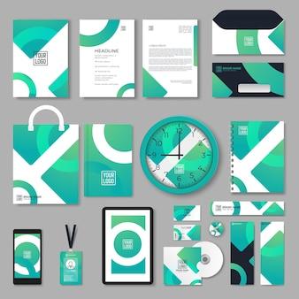Corporate branding identitätsdesign. briefpapier-mockup-vektor-megapack-set. vorlage für industrie- oder technikunternehmen. ordner und a4-brief, visitenkarte und umschlag. dreieckiges geometrisches logo.