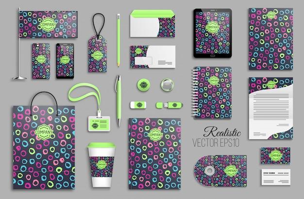 Corporate identity template set mit hand gezeichneten hellen farbringen des abstrakten hintergrunds. geschäftsbriefpapier mit logo. kreatives trendiges branding-design