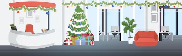 Coworking center für weihnachtsferien dekoriert