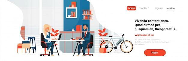 Coworking space mit geschäftsleuten