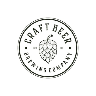 Craft beer brewery mit abzeichen label-logo-design-vorlage