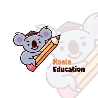 Cute koala trägt hut und umarmt ein bleistift-cartoon-logo