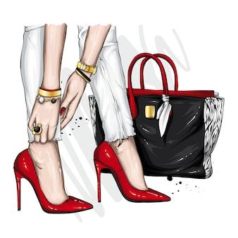 Damenbeine in schönen schuhen und einer stylischen tasche
