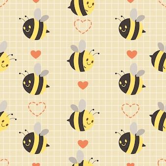 Das nahtlose muster der niedlichen biene und des herzens auf dem gelben hintergrund. der charakter der niedlichen biene, die mit freunden in der luft fliegt. der charakter der niedlichen biene im flachen stil.