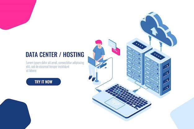 Datenberechnung und -prüfung isometrisch, ingenieur arbeitet mit cloud-speicher, serverraum, datencenter