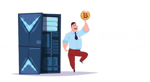 Datenspeicher-bitcoin-center mit hosting-servern und mitarbeitern. computerbergbaukommunikationsunterstützungs-kryptowährungskonzept