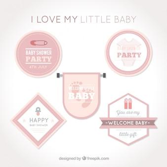 Dekorative baby-dusche-abzeichen in rosa tönen