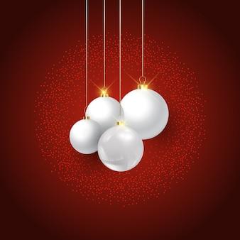 Dekorative weihnachtskugeln hängen