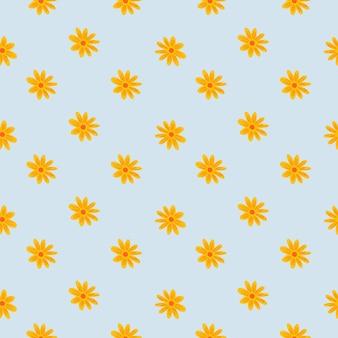 Dekoratives nahtloses muster mit kleiner gelber blumengänseblümchenverzierung. pastell hellblauer hintergrund.