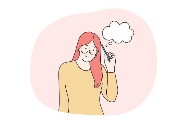 Denken, idee haben, zweifel, brainstorming-konzept. junge rothaarige positive mädchen jugendlich student cartoon-figur stehend und denkend mit bleistift, der auf kopf mit weißen wolkengedankenzeichen lehnt