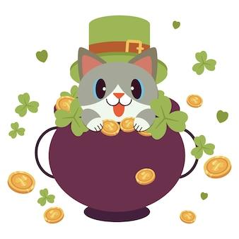 Der charakter der niedlichen katze trägt einen grünen zylinder und kleeblattband für st. patrick's day-thema mit viel geldmünze.