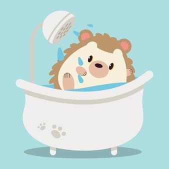 Der charakter des süßen igels in der badewanne und dusche