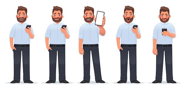 Der charakter eines mannes mit einem smartphone-geschäftsmann, der verschiedene emotionen verwendet, verwendet einen bildschirm mit gadget-shows