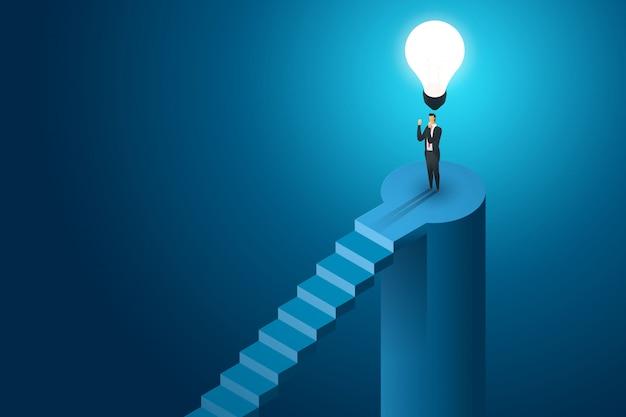 Der geschäftsmann, der unter der kreativen konzeptlösung und -vision der glühbirne steht, erfolg ist erfolgreich. flache isometrische darstellung