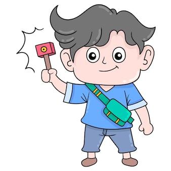 Der hübsche junge mit dem gesicht, der eine kamera trägt, nimmt ein vlogger-video auf. doodle-symbol kawaii.
