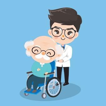 Der junge arzt kümmert sich um alte patienten mit rollstühlen.