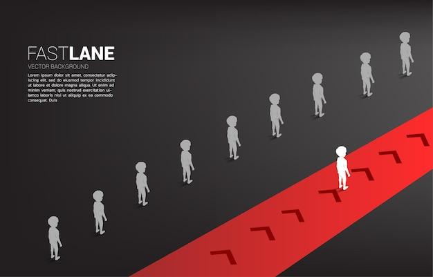 Der silhouette-junge, der auf der überholspur steht, bewegt sich schneller als die gruppe in der warteschlange