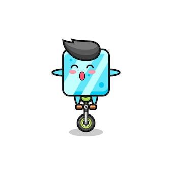 Der süße eiswürfel-charakter fährt ein zirkusrad, süßes stildesign für t-shirt, aufkleber, logo-element