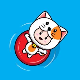 Design des süßen jungen mit katzenkostüm, das auf dem wasser schwimmt, mit schwimmender bouy-symbolillustration