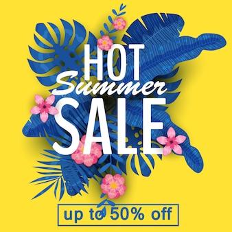 Design eines banners mit einem logo des sommerschlussverkaufs. werbeangebot mit sommerlichen tropischen pflanzen, blättern und blumendekorationen. vektor, abbildung