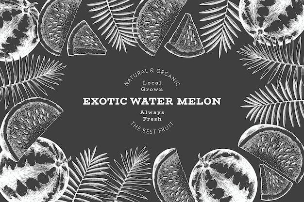 Designvorlage für wassermelone und tropische blätter. handgezeichnete exotische frucht vektorgrafik auf kreidetafel. obstrahmen im retro-stil.